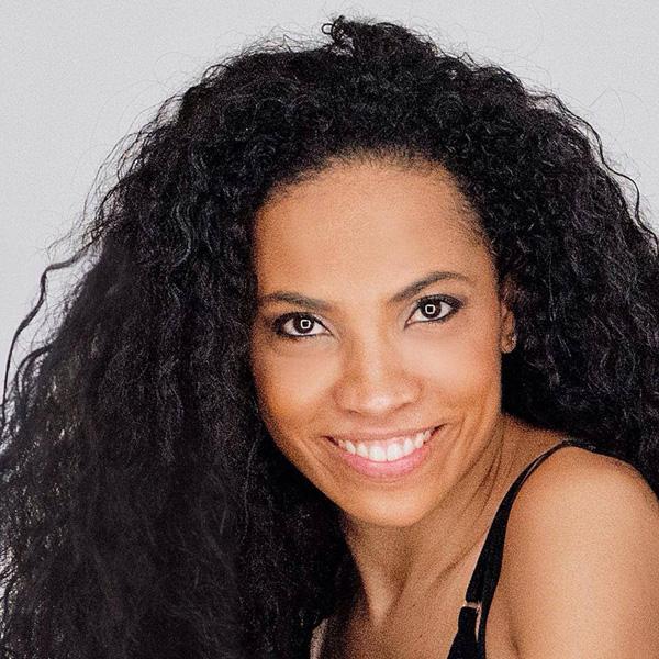 Daniela Pobega Canta l'Inno di Mameli - Una Nuova Interpretazione d'Autore.